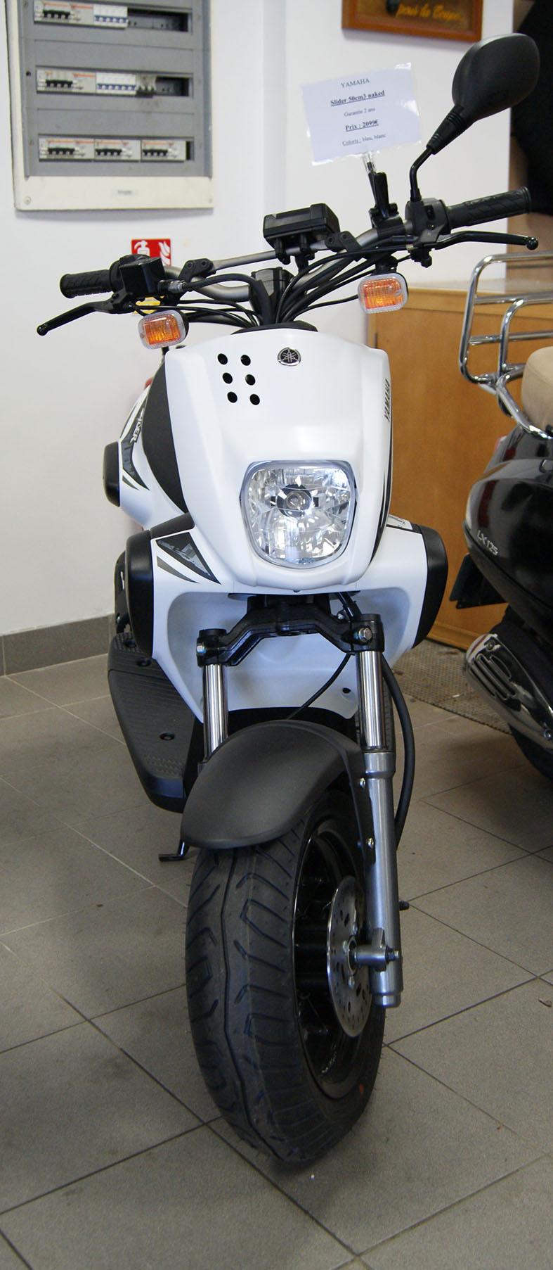 scooter et moto 50 cm yamaha slider 50 cm. Black Bedroom Furniture Sets. Home Design Ideas